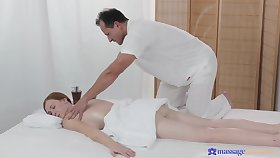 Masseur pumps younger babe and makes will not hear of swallow