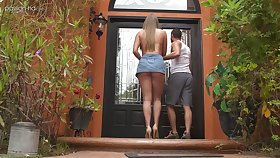 Romantic American girlfriend Ashley Red is a good blowjob expert