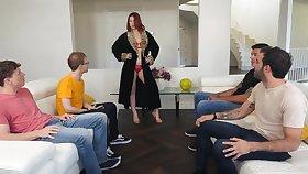 Curvy goddess Edyn Blair loves blowbang sessions and she's hot as fuck